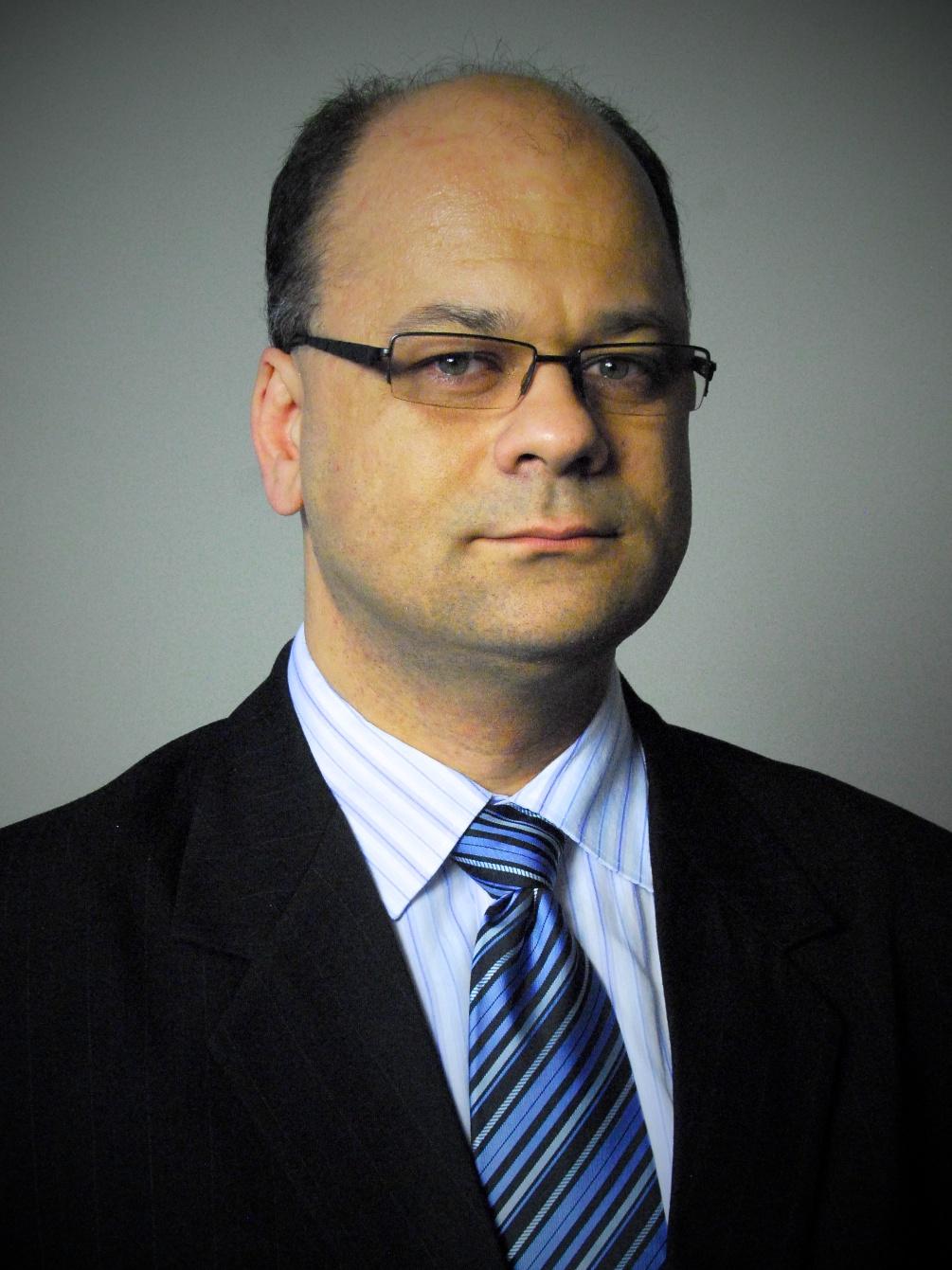 Drs. Kormos Erik
